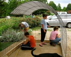 How to build this chicken tractor. From Lazy B Farm.