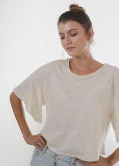 prendas bonitas que llenan el alma Bell Sleeves, Bell Sleeve Top, V Neck, Tops, Women, Fashion, T Shirts, Moda, Fashion Styles