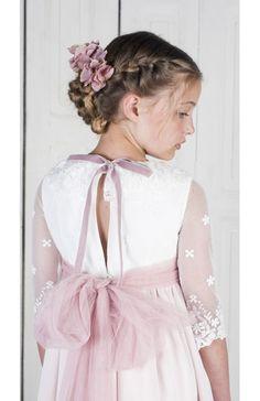Flora Rosa Flower Girl Hairstyles, Wedding Hairstyles, Kids Kaftan, Girls Dresses, Flower Girl Dresses, Communion Dresses, Baby Girl Fashion, Dream Dress, Baby Dress