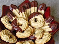 Almond biscuit- Mandel – Spritzgebäck Almond biscuits, a nice recipe from the category biscuits & cookies. German Christmas Cookies, German Cookies, Xmas Cookies, Cake Cookies, Easy Cookie Recipes, Baking Recipes, Dessert Recipes, Holiday Baking, Christmas Baking