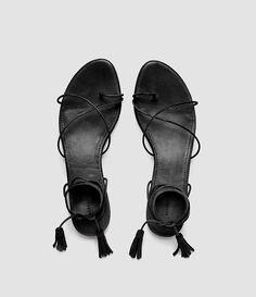 Womens Dorica Flat Sandal (Black) - product_image_alt_text_4