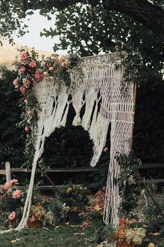 Hazy Meadow Ranch Wedding // Boho x Kid-Friendly Wonderland Custom Wedding Favours, Wedding Shower Favors, Wedding Locations California, California Wedding, Wedding Ceremony Backdrop, Boho Wedding Decorations, Wedding Tips, Budget Wedding, Chic Wedding