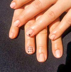 short nails, nails, beige, heart