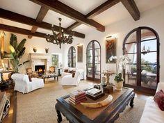Ceiling, fireplace, doors... Puertas/ventanales