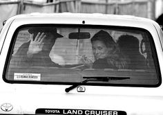 Pete Doherty & Kate Moss in a Land Cruiser