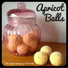 The road to loving my Thermomix: Lunchbox Prep Series: Apricot Balls.I love apricots and coconut! Lunch Box Recipes, Snack Recipes, Cooking Recipes, Lunchbox Ideas, Vegan Recipes, Fudge, Bellini Recipe, Thermomix Desserts, Healthy Desserts