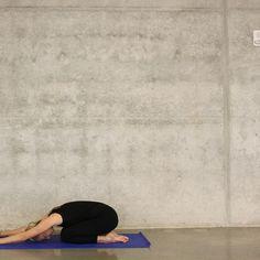 Lezione guidata di Yin Yoga facile per tutto il corpo by Yin Yoga e meditazione • A podcast on Anchor Yin Yoga, Yoga Inspiration, Yoga Fitness, Yoga Poses, Infographic, Workout, Aperture, Infographics, Work Out