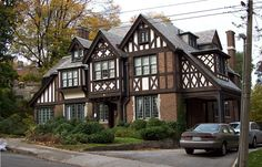 """""""possibly the largest concentration of early mansions in Canada"""" [REMASTERED] - SkyscraperPage Forum Tudor House Exterior, Interior Exterior, Style At Home, Estilo Tudor, Tudor Style Homes, Tudor Homes, English Country Style, Sims House, Art Deco Home"""