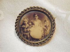 Antique Victorian Mourning Brooch Picture of 4 Children
