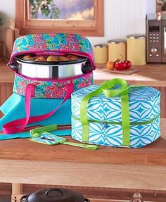 Slow Cooker Crockpot Carrier Insulated Lid Secure Strap Pot Luck Parties Travel