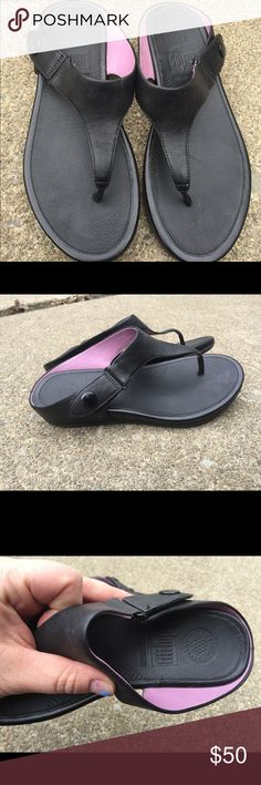Women's FitFlop Black Leather Sandals Size 6M EUC Women's FitFlop Black Leather Sandals Size 6M EUC Great for toning & Walking Worn once  Excellent Condition  #6 Fitflop Shoes Sandals
