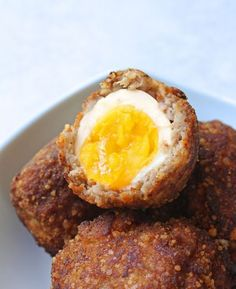 Scotch eggs - low carb and gluten free recipe paleo jídlo, r Low Carb Paleo, Eggs Low Carb, Low Carb Diet, Keto Fat, Egg Recipes, Gluten Free Recipes, Low Carb Recipes, Cooking Recipes, Diabetic Recipes