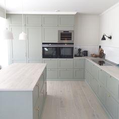 Grönt kök - IKEA med luckor från Järfälla kök