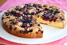 Saftig kake med skogsbær