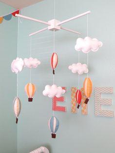 Een kleurrijke kinderkamer met veel DIY accessoires Roomed | roomed.nl
