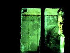 """Alain Bashung - La Nuit Je Mens (Officiel Clip)Bonne nuit ! Pour quelques minutes ou quelques heures, chacun s'abandonne au sommeil. Havre de paix pour certains, perte de temps pour d'autres, le plus difficile est de trouver le bon équilibre... """"La nuit, l'ennui nuit."""""""
