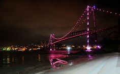 Prefeitura de Florianópolis adere ao Outubro Rosa As três ligações Ilha-Continente e o Lago da Bandeira foram iluminados de rosa