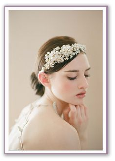 Wedding hair acessories (blog post had tons of veil- alternatives and where to buy - so cool!)