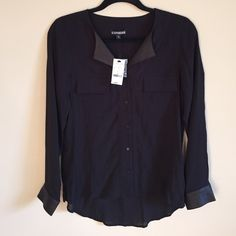 NWT Express Shirt Loose-fitting and hangs a little lower in the back. Has two pockets on the front and snake print collar and cuffs. 100% viscose. Offers welcome :) Express Tops Button Down Shirts