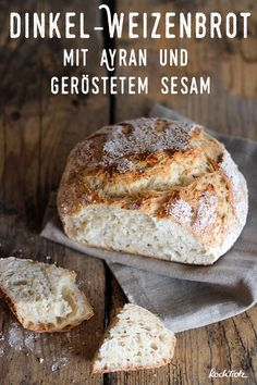 Simple wheat spelled bread with ayran, roasted sesame and only g of yeast. There… - Food and Drink Cooking Chef Gourmet, Kenwood Cooking, Spelt Bread, Yeast Bread, Homemade Cornbread, Easy Bread Recipes, Pastry Recipes, Vegetarian Breakfast Recipes, Good Food