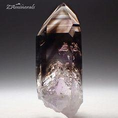 A breath-taking Quartz crystal. #Brandberg #Smoky #Amethyst #Quartz #Goboboseb #Namibia Custom Label: VF19 Truly stunning Store link in bio #ZAminerals #RockOn #Crystals #Minerals #NoFilter #mineralcollector #RockCollection #RockShop #Geology #MineralsForSale #CrystalsForSale #crystal #crystallover #cristais #gem #igdaily #africancrystals