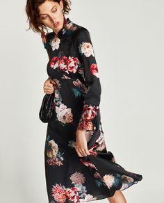 This season's key dresses at ZARA online. Enter now and discover all the dresses of the new collection at ZARA. Zara, Oriental Fashion, Oriental Style, Best Black Friday, Floral Midi Dress, Flower Dresses, Midi Dresses, Jumpsuit Dress, Red Carpet Looks