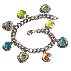 Charm Heart Bracelet - This Prima Bead bracelet project was hand designed by our design team. [$0]