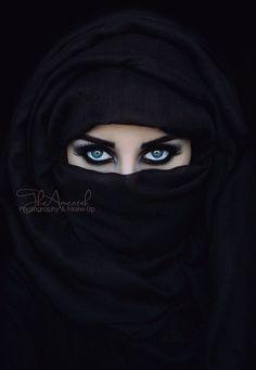 Woman Beautiful Eyes In Hijab Wallpapers Arabian Eyes, Arabian Beauty, Most Beautiful Eyes, Beautiful Hijab, Eye Pictures, Muslim Beauty, Beautiful Muslim Women, Eye Photography, Foto Art
