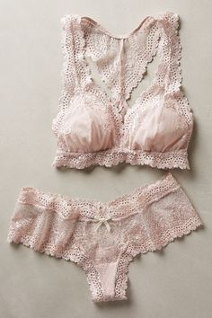 beautiful lace bralette and panty set http://rstyle.me/n/v65m9r9te