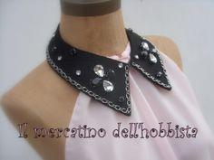 colletto in feltro con applicazioni varie: catena e cristalli