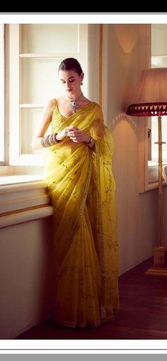 Source by martina_holzner saree Indian Attire, Indian Outfits, Saree Designs Party Wear, New Fashion Saree, Kalamkari Dresses, Indian Wedding Gowns, Saree Trends, Stylish Sarees, Dress Indian Style