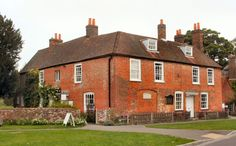 The house where Jane Austen lived and wrote most of her novels. Jane Austen's House is a pleasant seventeenth century house in the pretty village of Chawton in Hampshire. Jane Austen, Places Ive Been, Places To Go, Hampshire England, Winchester Hampshire, United Kingdom, Beautiful Places, House Styles, World