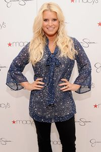 Jessica Simpson Has Her Best Body Moment Yet Since Baby