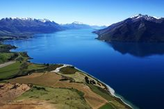Blue & tranquil Lake Wakatipu - Vladka Kennett