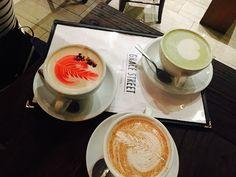 Grace Street Cafè in Koreatown 😍😋 Latte, Panna Cotta, Street, Tableware, Ethnic Recipes, Food, Dulce De Leche, Dinnerware, Tablewares