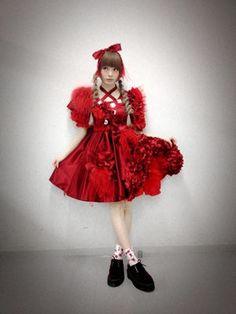 Image result for きゃりーぱみゅぱみゅ 衣装