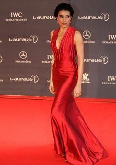 Evolução de Estilo: Catarina Furtado - Personalidades - Vogue Portugal Benz, Vogue Portugal, Actresses, Formal Dresses, Angels, Events, Beauty, Women, Life