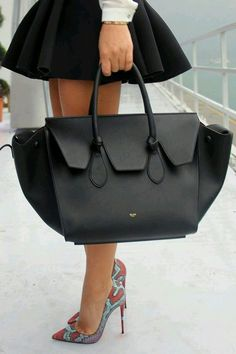 Heels w bag ✿  ✿ ✿. ☂
