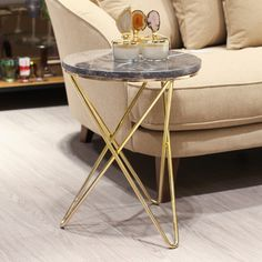 Check our selection of side table designs to inspire you for your next interior design project at cersaie 2019 Coffee Table Design, Marble Coffee Table Set, Modern Coffee Tables, Modern Table, Side Coffee Table, Marble Furniture, Furniture Design, Black Side Table, Interior Design Living Room