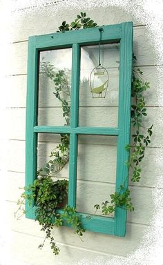 Paint up an old window frame for a unique wall hanging. Garden Yard Ideas, Garden Crafts, Garden Projects, Garden Art, Old Window Frames, Window Art, House Plants Decor, Plant Decor, Outdoor Projects