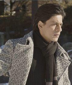 Best Bollywood Movies, Bollywood Photos, Bollywood Stars, Shahrukh Khan Raees, Shah Rukh Khan Movies, Richest Actors, Half Girlfriend, Sr K, Vintage Bollywood