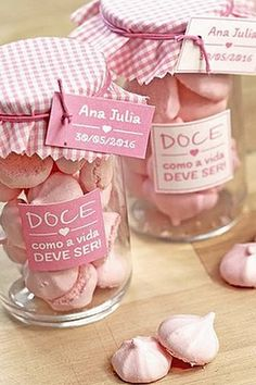 Esse é bem simples e pode ser totalmente DIY, para as mamãe que estão fazendo a Festa e organizando tudo sozinhas ou com a ajuda das amigas. Cookie Packaging, Food Packaging Design, Wedding Favors, Party Favors, Dessert Boxes, Afternoon Tea Parties, Wedding Prep, Candy Buffet, Baby Shower Parties