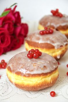 Pączki z ziemniakami Delicious Donuts, Devils Food, Food Cakes, Doughnuts, Cookie Recipes, Cheesecake, Food And Drink, Pudding, Sweets