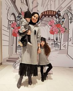 Me and Ksquad Mom And Son Outfits, Matching Family Outfits, Kids Outfits, Pretty Dresses For Kids, Work Dresses For Women, Mother Daughter Fashion, Mom Daughter, Hijab Style, Outfit Look