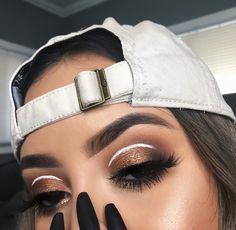 brown glitter eyeshadow with white eyeliner cut crease Colorful Eye Makeup, Blue Eye Makeup, Smokey Eye Makeup, Glam Makeup, Makeup Inspo, Makeup Inspiration, Beauty Makeup, Makeup Ideas, Makeup Tips