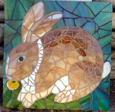 Spooky the Rabbit Mosaic Stone Mosaic, Mosaic Glass, Glass Art, Mosaic Crafts, Mosaic Projects, Mosaic Tray, Mosaic Tiles, Stained Glass Patterns, Mosaic Patterns