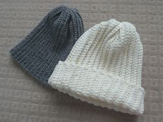 All About Ami: Easy ribbed beanie - free crochet pattern. Simple crochet rectangle of back loop single crochet, gathered at the top.
