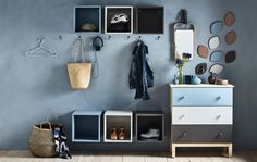 Beautiful (and space-saving) entryway storage ideas. Living Room Modern, Living Area, Ikea Eket, Hacks Ikea, Decoration Entree, Interior Styling, Interior Design, Entryway Storage, Home And Deco