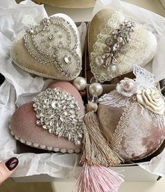 Shabby Chic Christmas Ornaments, Christmas Ornament Sets, Pink Christmas, Beautiful Christmas, Christmas Gifts, Christmas Decorations, Holiday, Fall Swags, Shabby Chic Pink