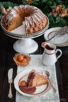 Bundt cake de castañas con Salsa de chocolate | Olivas en la cocina Fondant, Cupcakes, Doughnut, French Toast, Chocolate, Breakfast, Desserts, Bundt Cakes, Food